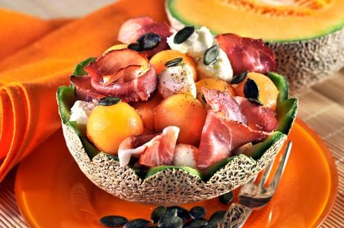 melounovy-salat-s-mozzarellou.jpg