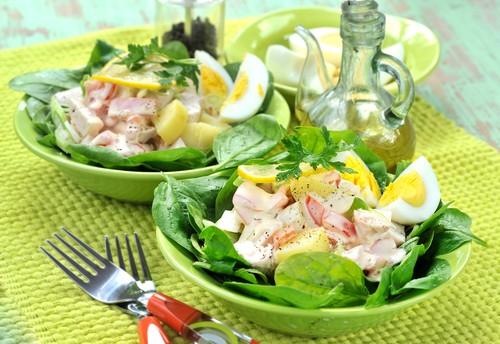 spenatovy-salat-s-kurecim-masem.jpg