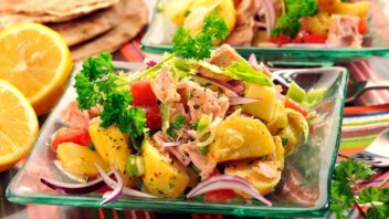 bramborovy-salat-s-tunakem-352x198.jpg
