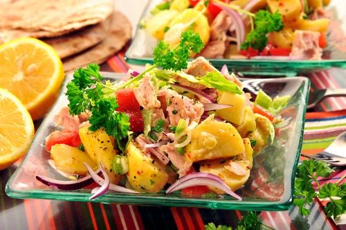 bramborovy-salat-s-tunakem.jpg