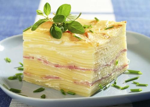 brambory-se-salamem.jpg