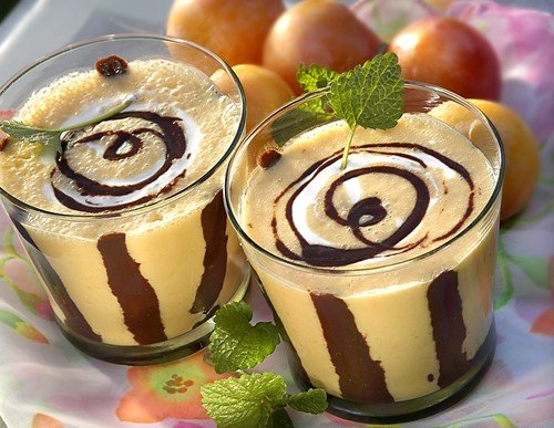 Peach Coctail with Chocolate