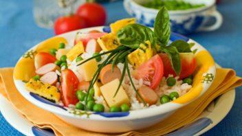 ryzovy-salat-352x198.jpg
