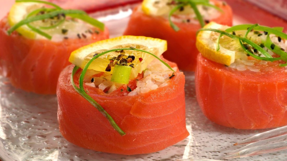 sushi-z-uzeneho-lososa-1100x618.jpg
