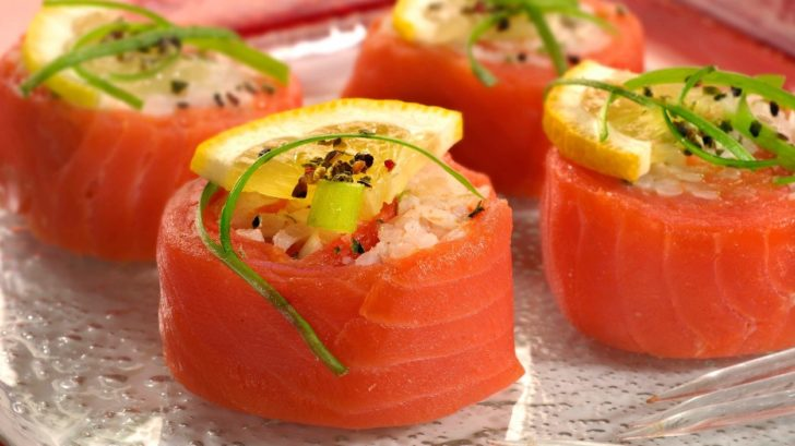 sushi-z-uzeneho-lososa-728x409.jpg