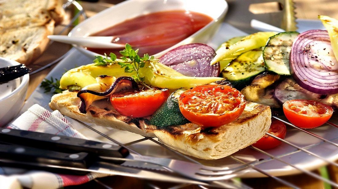 grilovana-zelenina-s-petrzelkovou-marinadou-1100x618.jpg
