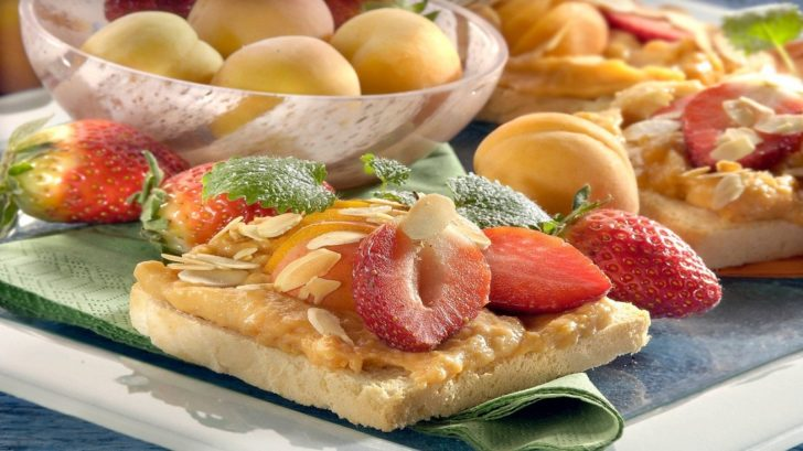 toasty-s-jogurtovo-ovocnym-kremem-728x409.jpg