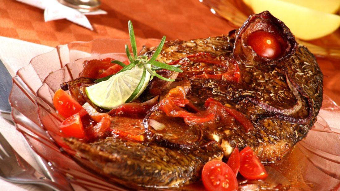 marinovana-ryba-na-rajcatech-a-rozmarynu-1100x618.jpg