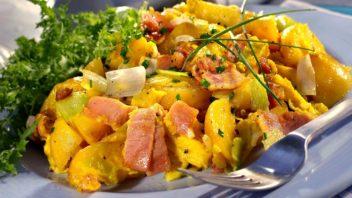 brambory-s-vejci-a-bylinkami-352x198.jpg
