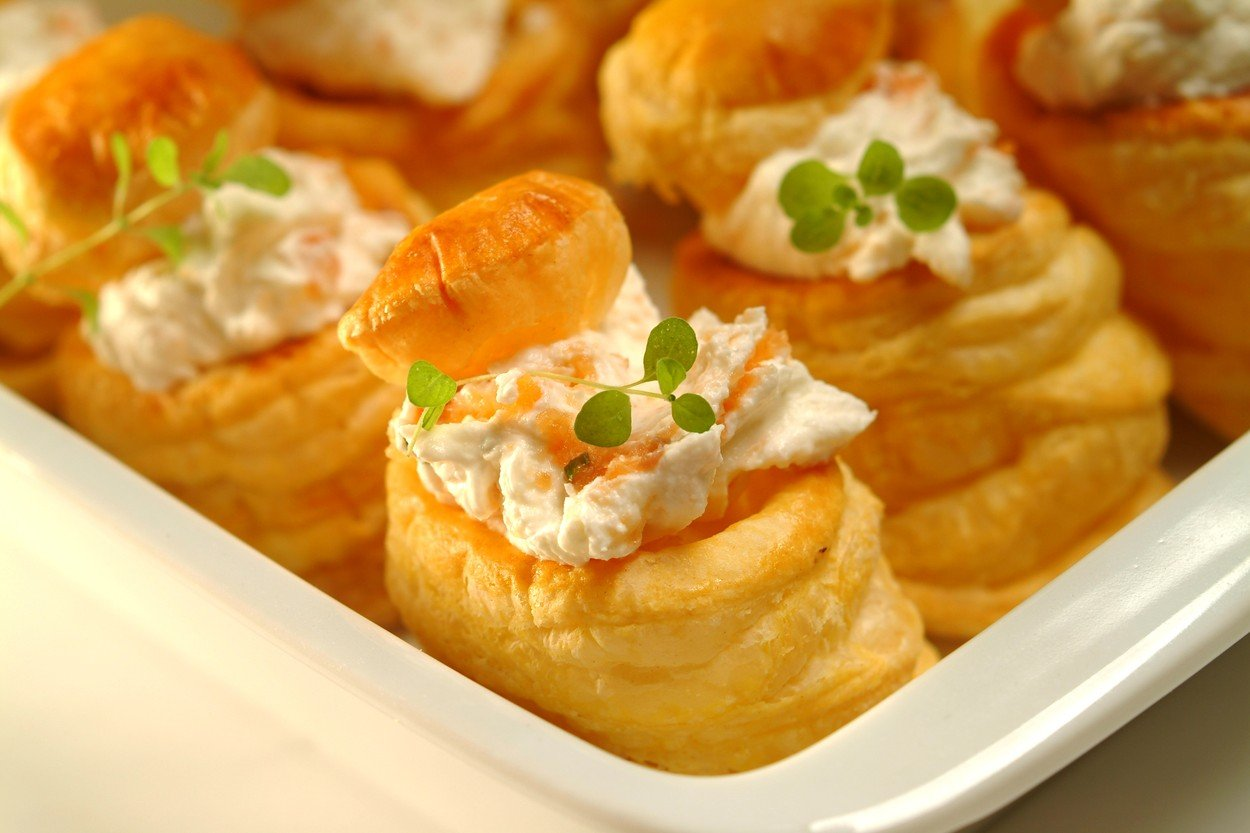 Pastry Rolls with Ham Cream