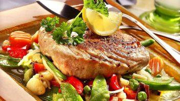 steak-z-tunaka-se-zeleninou-352x198.jpg
