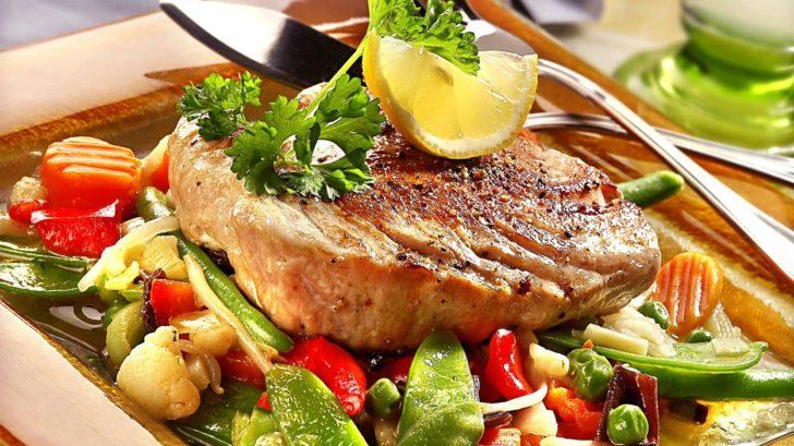 steak-z-tunaka-se-zeleninou-728x409.jpg