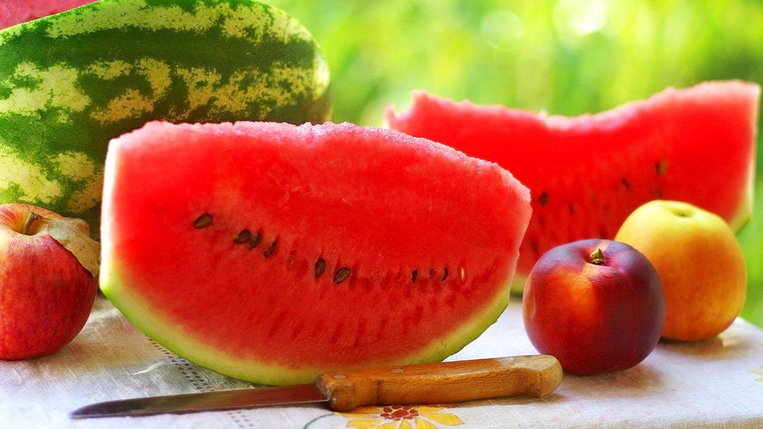 jablka-a-melouny-1100x618.jpg