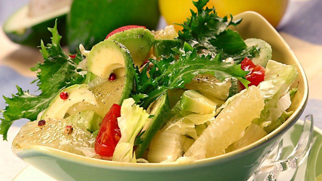 salat-s-grepem-a-avokadem-1100x618.jpg
