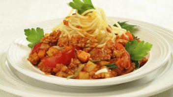 spagety-s-bolonskou-omackou-352x198.jpg