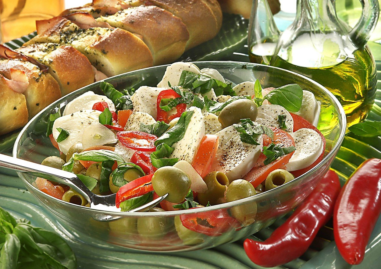 Mozzarella with Olives