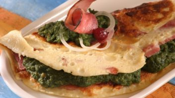 omeleta-s-uzenym-buckem-352x198.jpg