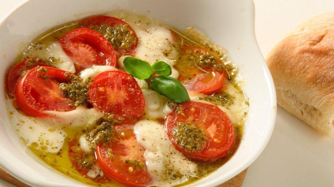mozzarella-s-pestem-1100x618.jpg