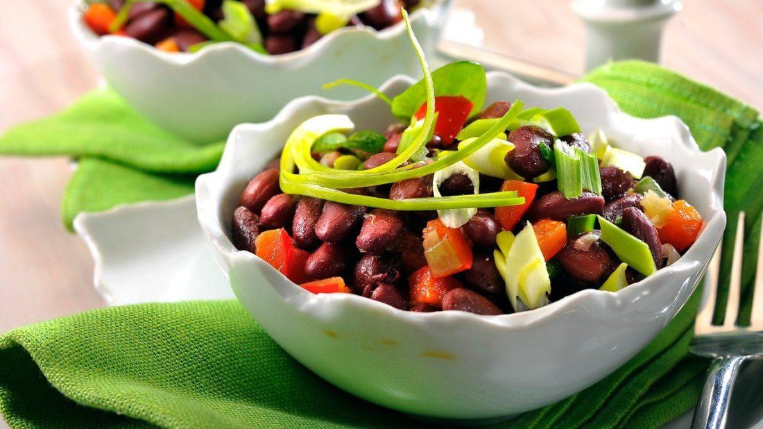 fazolovy-salat-1100x618.jpg