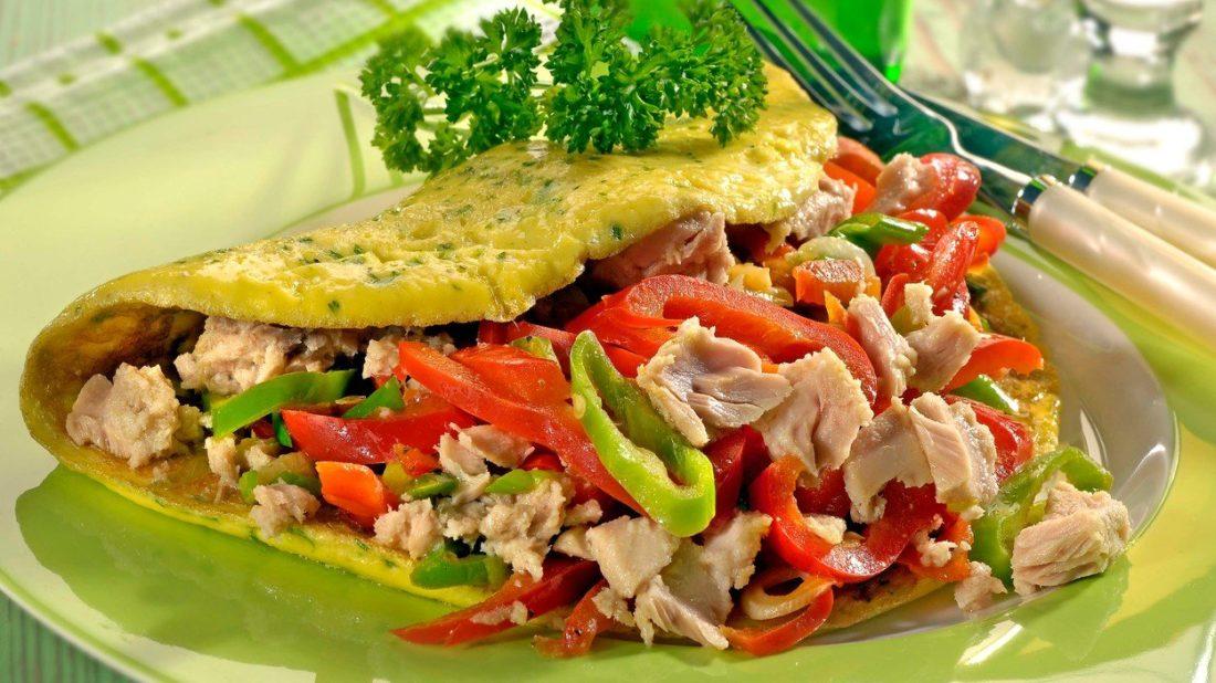 omeleta-s-tunakem-1100x618.jpg