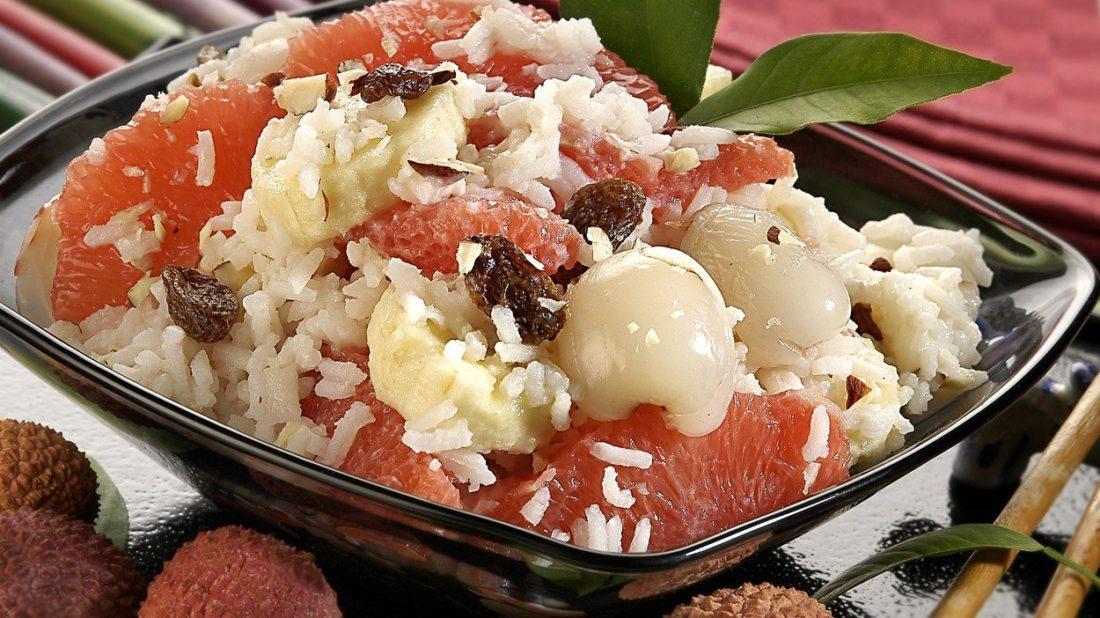 ryzovy-salat-s-ovocem-1100x618.jpg