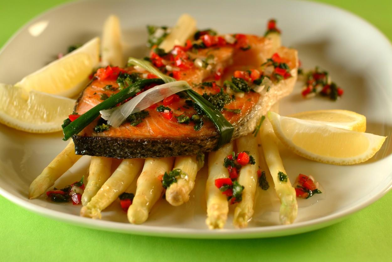Asparagus with Marinated Salmon