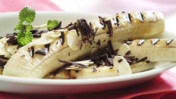 grilovany-banan-s-cokoladou-352x198.jpg