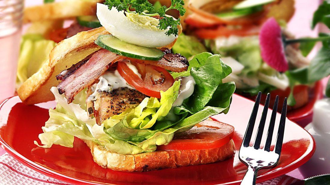 sendvic-s-kurecim-masem-1100x618.jpg