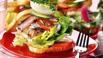 sendvic-s-kurecim-masem-352x198.jpg