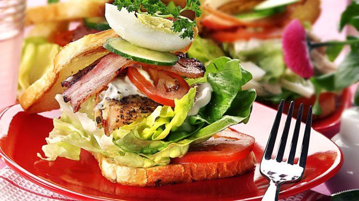 sendvic-s-kurecim-masem-728x409.jpg