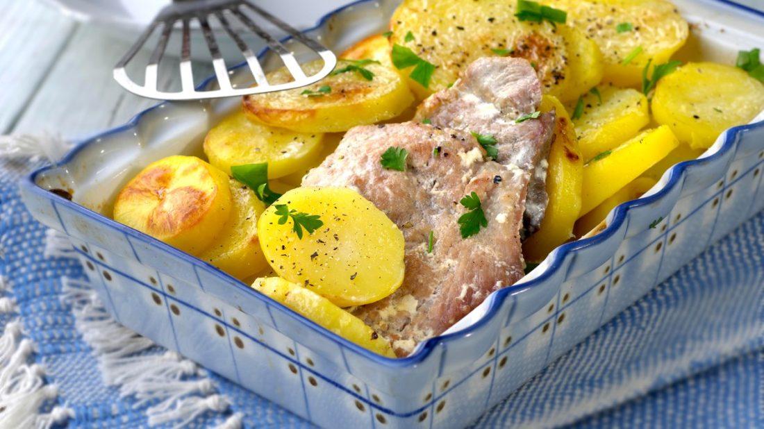 brambory-zapecene-ve-smetane-1100x618.jpg