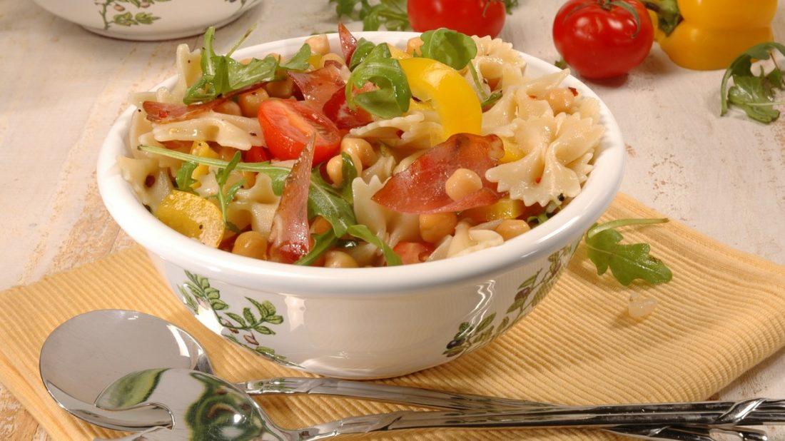 salat-s-cizrnou-1100x618.jpg