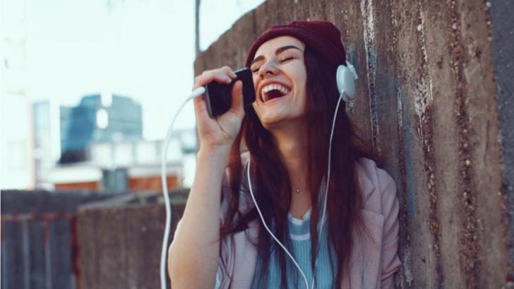 woman-sing-728x409.jpg