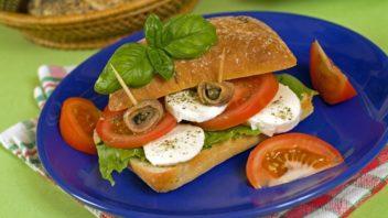 sandwich-se-syrem-a-rajcaty-352x198.jpg