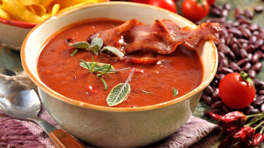 fazolovy-krem-se-slaninou-1100x618.jpg