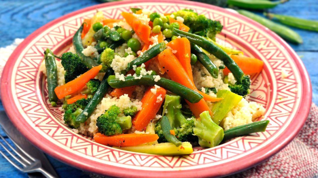 kuskus-se-zeleninou-1100x618.jpg