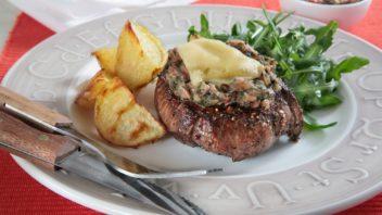 steaky-se-zeleninou-a-syrem-352x198.jpg