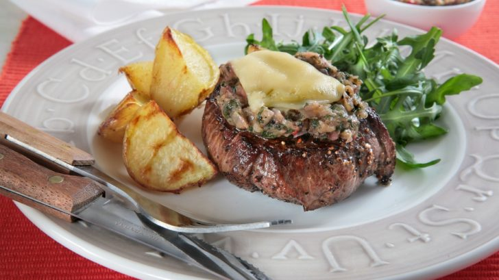 steaky-se-zeleninou-a-syrem-728x409.jpg